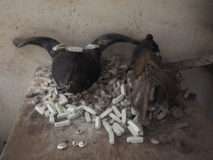Fetisch in einem privaten Haushalt in Ouida, Benin.